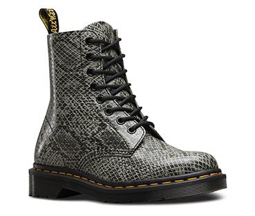 Women S Boots Official Dr Martens Store Uk