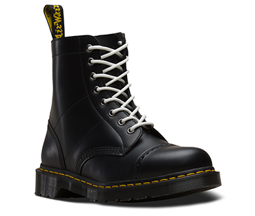 1460 Needles Boot Black