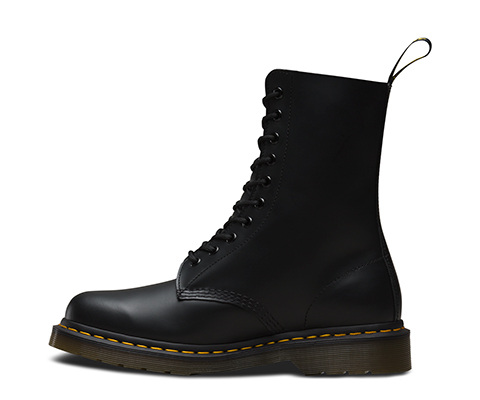 Best Sale Sale Online Black 1490 Boots Dr. Martens Shop For Sale Super Specials Free Shipping Amazon Discount With Credit Card 1gqzPzt1