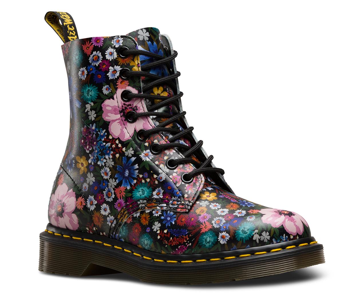 1460 Pascal Wanderlust Womens Boots Dr Martens